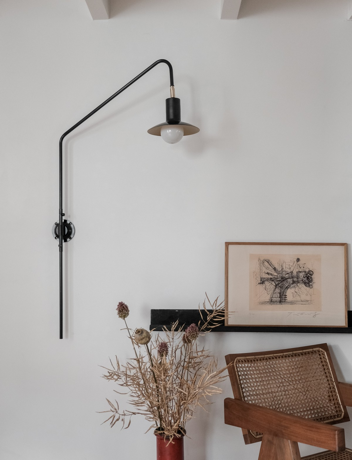 Pivoting wall sconce steel tube black
